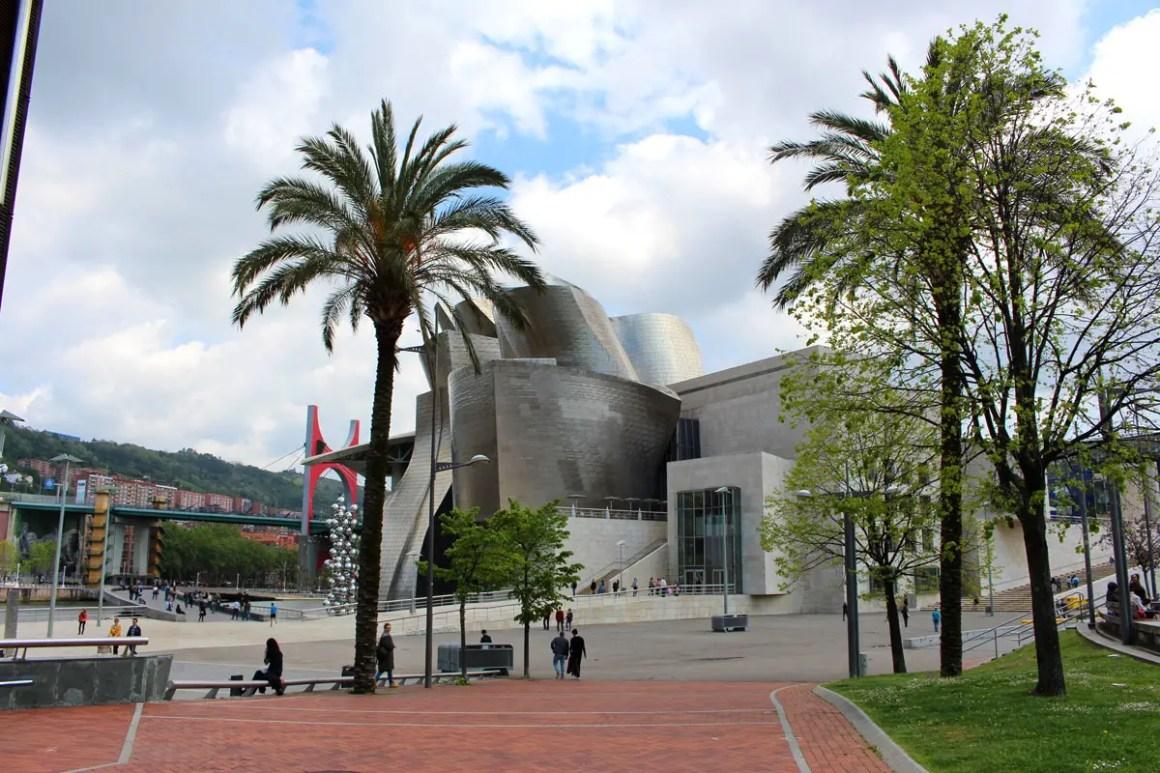 """Wat-moet-zien-Bilbao-guggenheim-museum """"width ="""" 1200 """"height ="""" 800 """"data-wp-pid ="""" 11116 """"srcset ="""" https://www.nicolos-reiseblog.de/wp- content / uploads / 2019/08 / Wat-moet-zien-Bilbao-guggenheim-museum.jpg 1200w, https://www.nicolos-reiseblog.de/wp-content/uploads/2019/08/Was-muss -man-see-Bilbao-guggenheim-museum-300x200.jpg 300w, https://www.nicolos-reiseblog.de/wp-content/uploads/2019/08/Was-muss-man-sehen-Bilbao-guggenheim- museum-1024x683.jpg 1024w, https://www.nicolos-reiseblog.de/wp-content/uploads/2019/08/Was-muss-man-sehen-Bilbao-guggenheim-museum-50x33.jpg 50w, https: //www.nicolos-reiseblog.de/wp-content/uploads/2019/08/Was-muss-man-sehen-Bilbao-guggenheim-museum-800x533.jpg 800w """"sizes ="""" (max-breedte: 1200px) 100vw , 1200px """"/></p data-recalc-dims="""