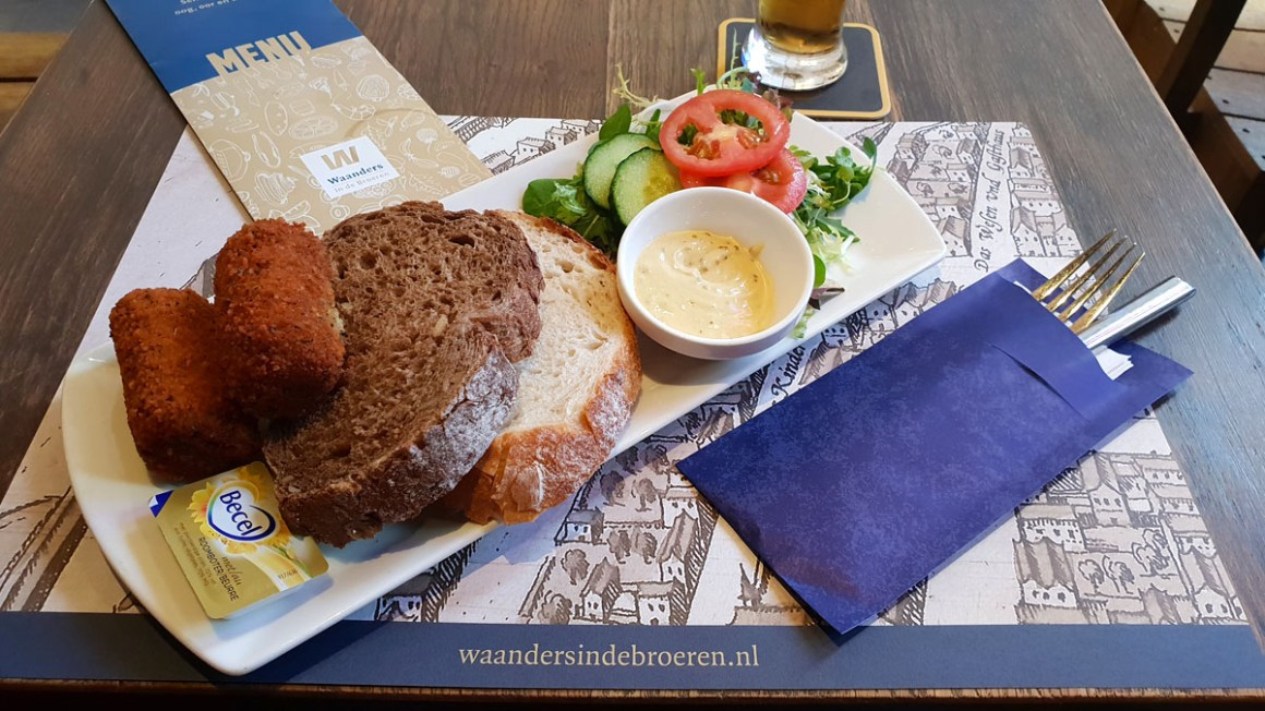 "Holland-round-hansestaedte-zwolle-waanders-in-de-broeren-cafe-lunch ""width ="" 1200 ""height ="" 675 ""srcset ="" https://www.nicolos-reiseblog.de/wp-content/uploads /2019/12/Holland-rundreise-hansestaedte-zwolle-waanders-in-de-broeren-cafe-lunch.jpg 1200w, https://www.nicolos-reiseblog.de/wp-content/uploads/2019/12/ Holland-tour-hansestaedte-zwolle-waanders-in-de-broeren-cafe-lunch-300x169.jpg 300w, https://www.nicolos-reiseblog.de/wp-content/uploads/2019/12/Holland-rundreise -hansestaedte-zwolle-waanders-in-de-broeren-cafe-lunch-1024x576.jpg 1024w ""sizes ="" (max-breedte: 1200px) 100vw, 1200px ""/></noscript data-recalc-dims="