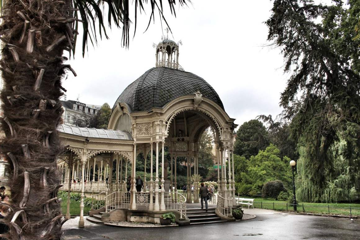 karlsbad park colonnade