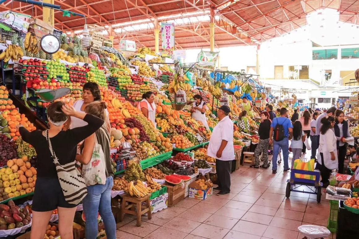 A_day_in_Arequipa_mercado_san_camilo