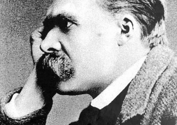 Aforisma di Nietzsche sui grandi ingannatori