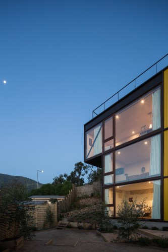 Yellow House in Zapallar, by Aguiló+Pedraza Arquitectos (6)