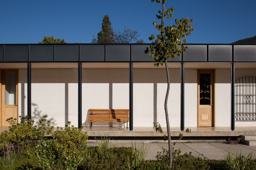 House in Pilay by Duval+Vives Arquitectos (3)