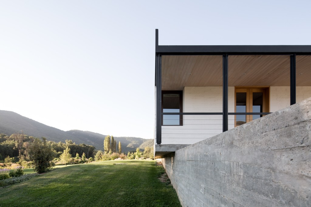 House in Pilay by Duval+Vives Arquitectos (22)