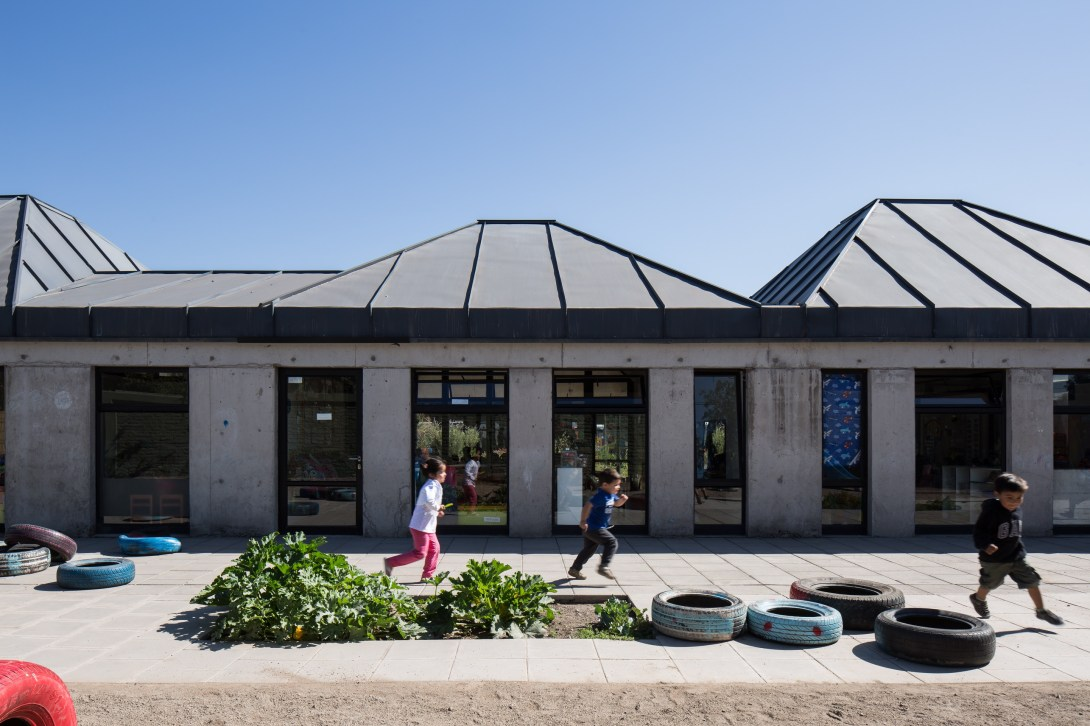 Jardín Infantil y Sala Cuna San Miguel Arcángel by Francisco León + Alicia Ross Arquitectos