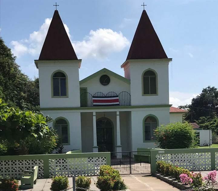 Resultado de imagen para Templo Católico Quebrada Honda, Nicoya, Guanacaste