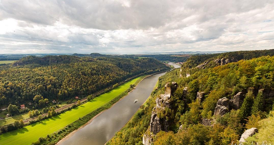 Blick von der Bastei: Die Elbe in der sächsischen Schweiz