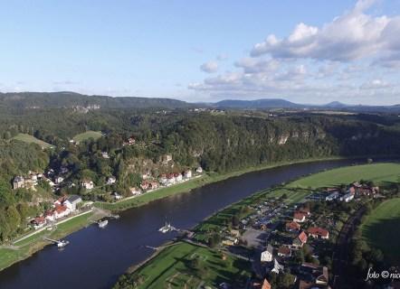 Luftbildaufnahme: Blick auf die Stadt Wehlen und die sächsische Schweiz