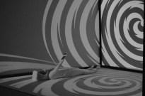"""Teatralna iluzja w """"Pokoju Amesa"""" Niebywałe Suwałki 10"""