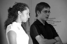 """Młodzież z sejneńskiej pracowni opowiada o realizacji """"Gucia Zaczarowanego""""."""