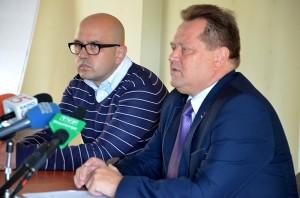 Na zdj. poseł Jarosław Zieliński i radny Grzegorz Gorlo z PiS.
