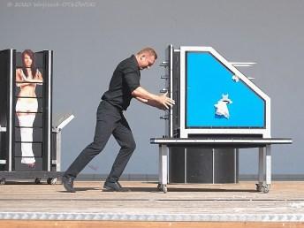 04 VII 2020; Augustów - Amfiteatr; występ iluzjonisty Łukasz Granta © 2020 Wojciech Otłowski