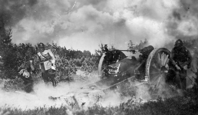 Žemgalės artilerijos pulkas apmokymuose. 1935 m.