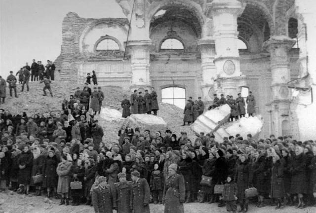 Tvirtovės soboro griuvėsiai Antrojo pasaulinio karo metais