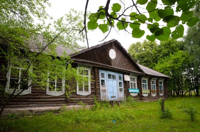 Lietuvių statyta mokykla Новый Тап gyvenvietėje