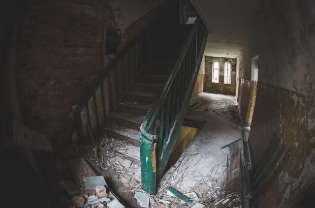 Laiptai į erdvią palėpę