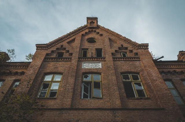 Priekinis mokyklos fasadas