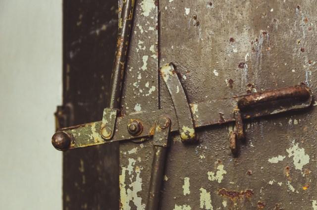 Durų užrakto mechanizmas