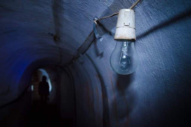 Kai kurie tuneliai paprastuoju būdu elektrifikuoti. Matyt čia retkarčiais užklysta ekskursijos