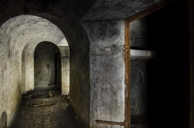 Koridoriaus prie sandėliavimo patalpų perspektyva