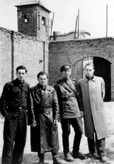 Kaliniai, per 1943 metų kalėdas pasprukę iš forto