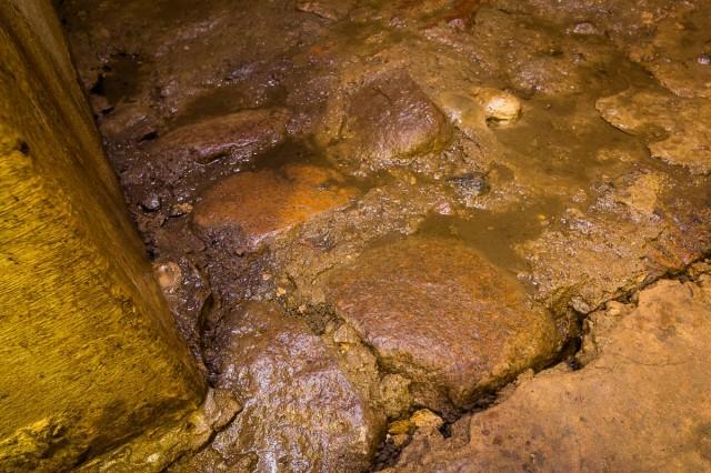 Originalus požemių grindinys