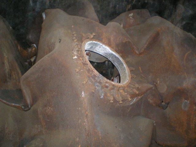 Sprogimo metu sutraiškyta cisterna