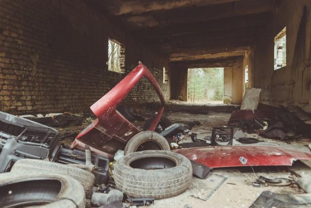 Šiame garaže (10) kažkas linksmai išsiardė Renuškę