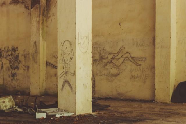 Garažų sienos kviečia vietos menininkus