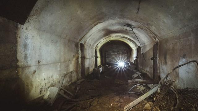 Žvilgsnis į tunelį, vedusį į katilinę