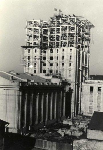 Kolchozų rūmų statyba. 1954 m. balandžio 1 d.