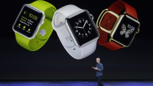 apple-watch-tim-cook-walking-ap
