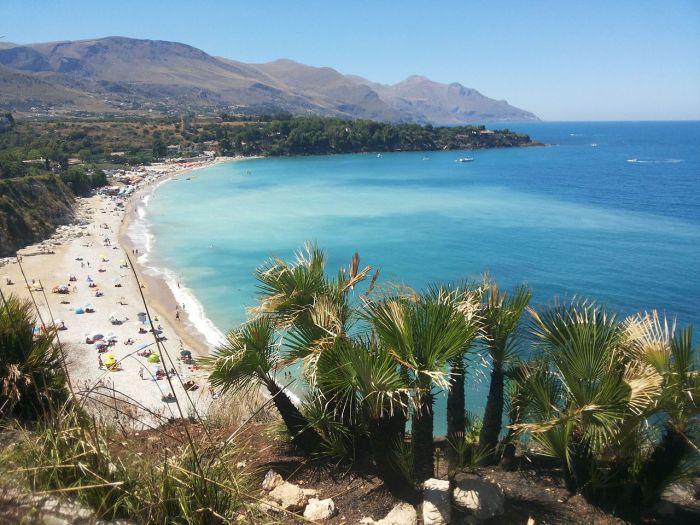 Plaża Castelammare del Golfo. Plaże w Trapani i okolicach, fot. Daniele Pugliesi, Wikipedia
