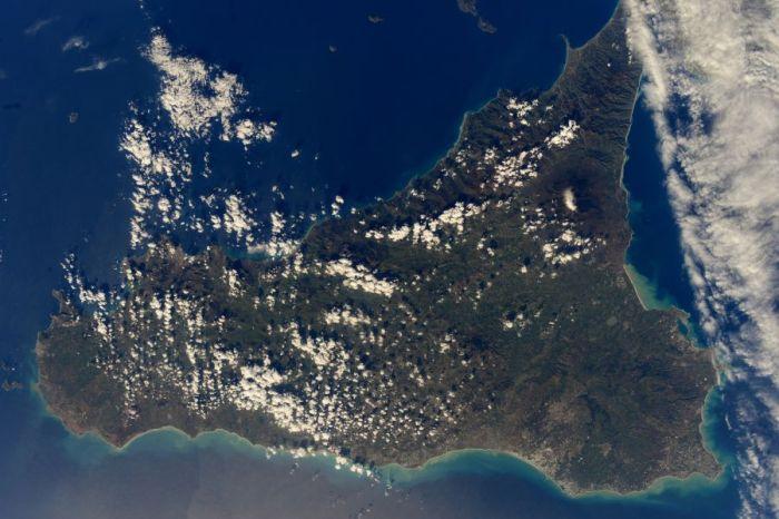 Sycylia, Zdjęcie saltelitarne Sycylii, Sycylia z lotu ptaka, wycieczka objazdowa po Sycylii