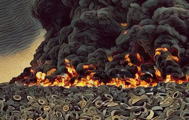 Osiem milionów ministrów, czyli płonące śmiecie i gaslighting