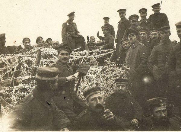 Żołnierze wokopach podYpres