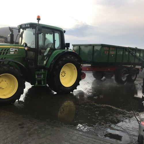 Alle Fahrzeuge waren schwer verschmutzt. Fermentersanierung August 2019, Nierswalder Biogasanlage.
