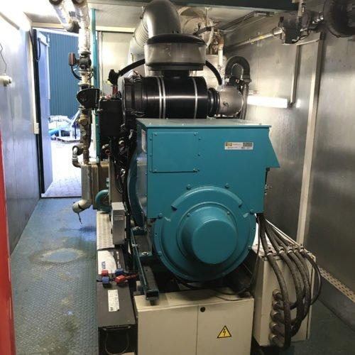 Der neue Gasmotor im BHKW der Biogas benötigt kein Biodiesel. Wir sparen jährlich 30.000 Liter Biodiesel. Nierswalder Biogasanlage 2019