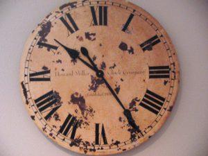 Wijzerplaat van een oude klok, copyright Trevor Brady