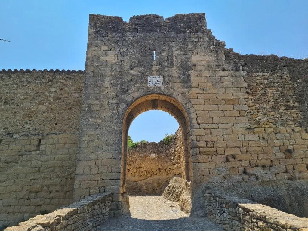 Middeleeuws Peratallada: toegangspoort