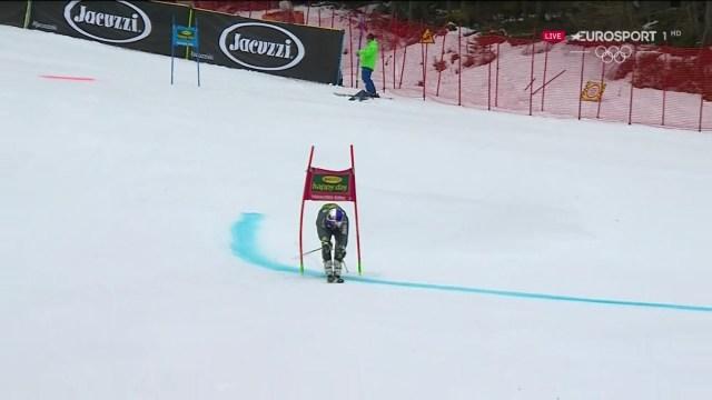 Alexis Pinturault pasa por debajo de una puerta para acabar descalificado en un final de temporada para olvidar FOTO: Eurosport