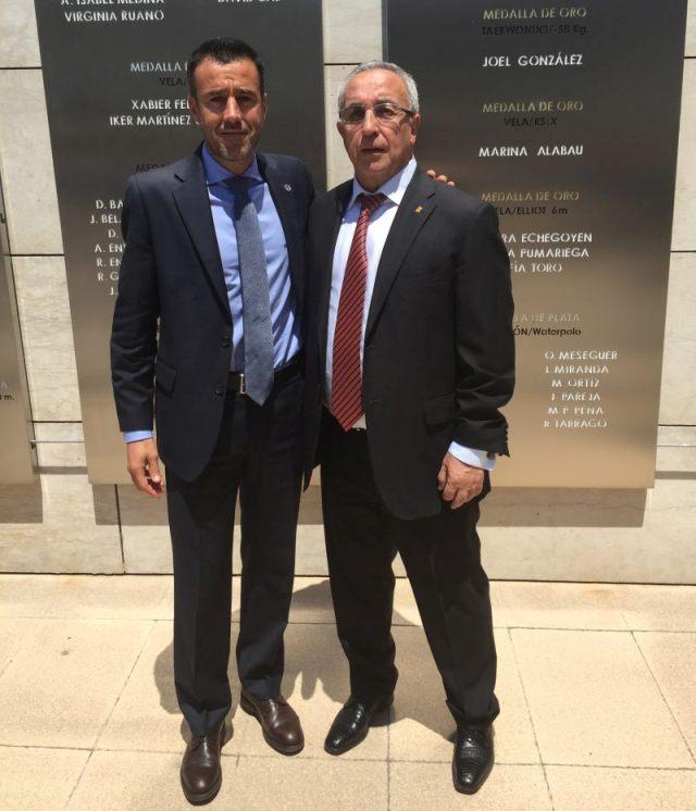 El presidente del COE, Alejandro Blanco, junto al presidente de la RFEDI, May Peus España