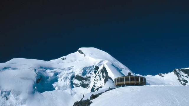 El glaciar de Saas Fee es el lugar escogido por el equipo de esquí de la RFEDI
