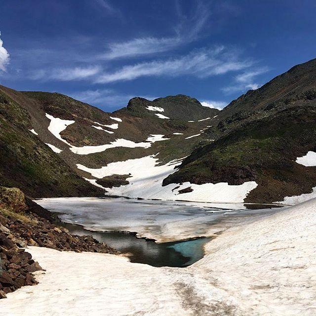 Una imagen de los lagos de alta montaña