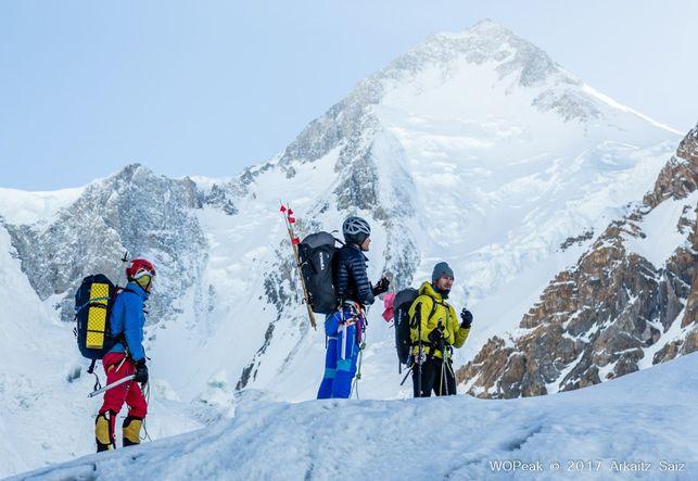 Inurrategi, Vallejo y_Zabalza no pudieron llegar a la cima del Gasherbrum, pero vuelven como héroes