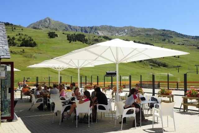 La estación abre igualmente en verano para las actividades al aire libre