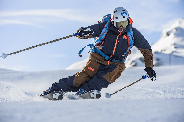 La gama de productos Helly Hansen no cesa de investigar y desarrollar nuevas tecnologías tanto en el ámbito de la montaña como en el de la naútica FOTO: Alessandro Belluscio