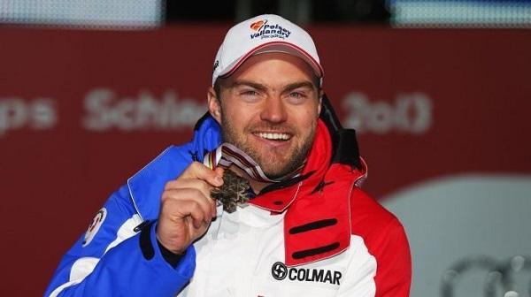 David Poisson, con la medalla de bronce del descenso del Mundial de Schladming 2013