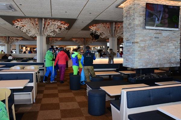 La nueva cafetería Bosque ofrece amplitud de espacios y una gran comodidad a los clientes FOTO: ©Baqueira Beret