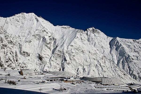 Piau Engaly es la estación más alta de Pyrénées 2 Vallées y la más cercana a España